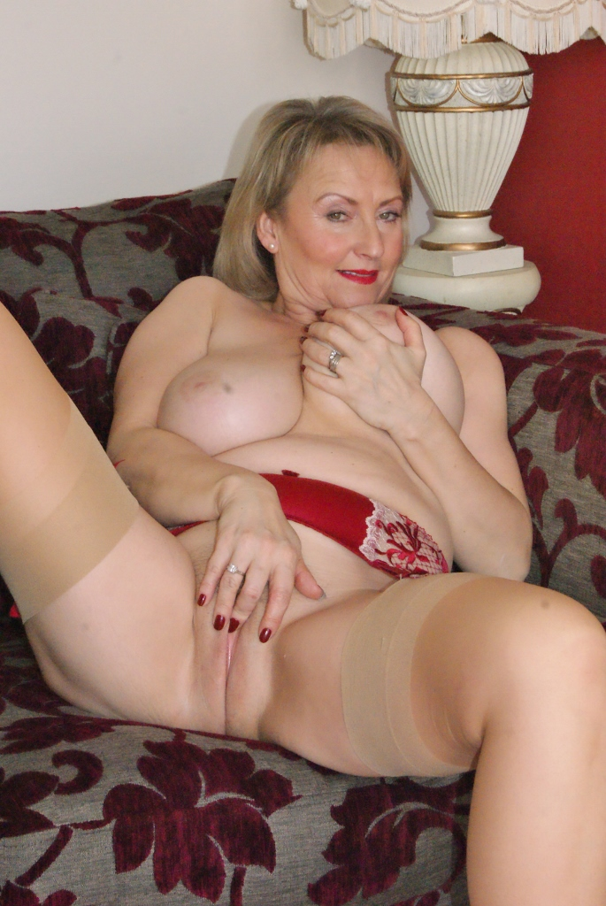Mature Milf Solo Squirt
